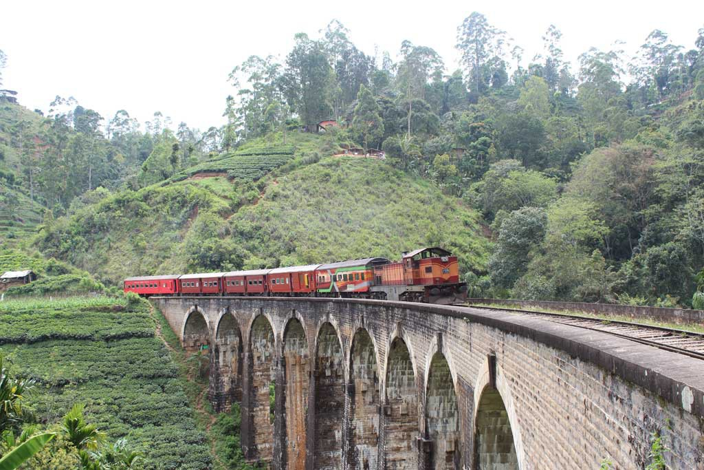 nine-arch_bridge-sri-lanka